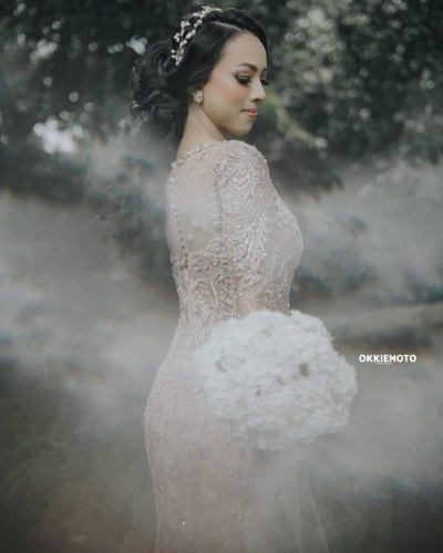 Our Beautiful Bride @iswolters . . #weddingjakarta